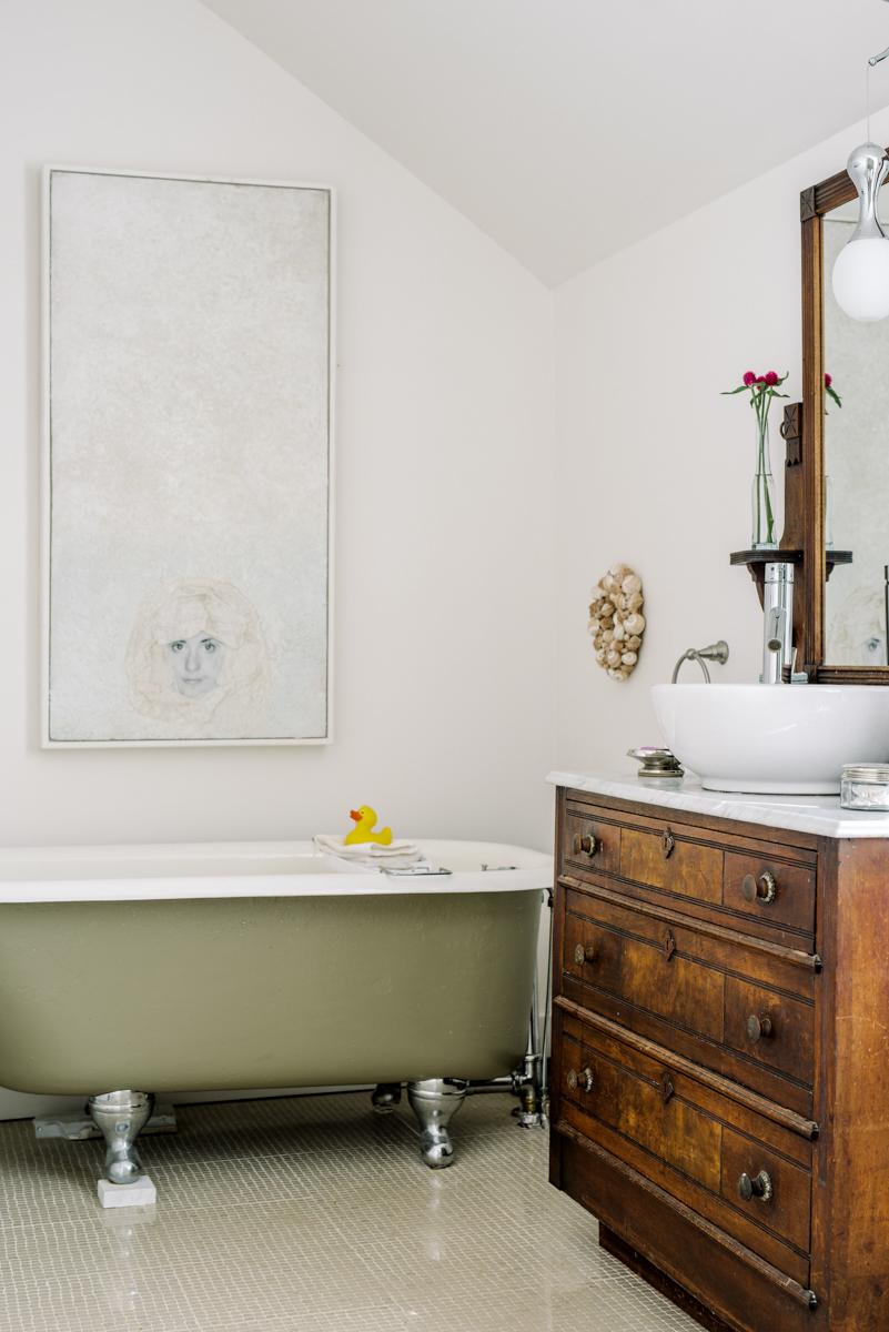 Artist's Room Bathroom