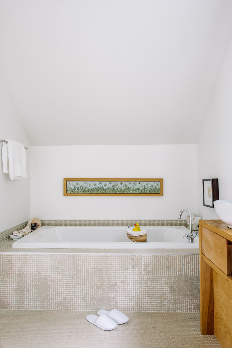 Gardener's Room bathroom