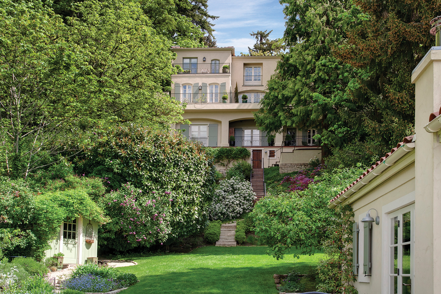 5203 82nd Ave SE, Mercer Island, listed with Jay Kipp for $6,400,000
