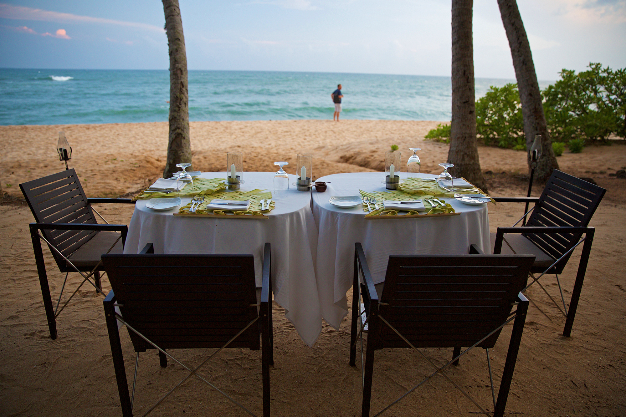 Amanwella-beach-dining.jpg