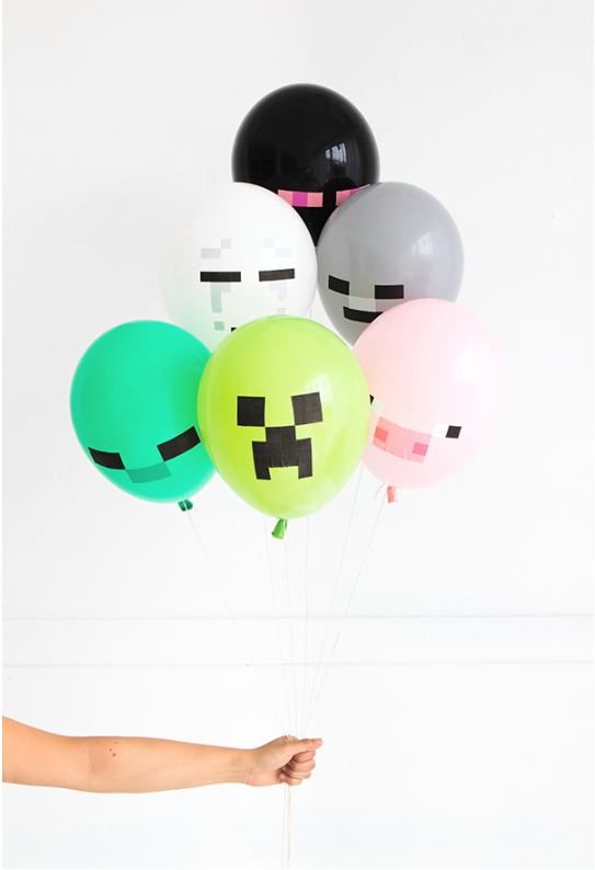 Minecraft Balloons | Oh Happy Day commits to her party themes!  Photo: Oh Happy Day