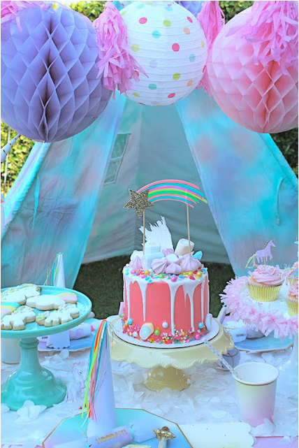 Unicorn themed girl's birthday party from Laura's Little Party. Photo:  Laura's Little Party  | Top Party Planning Blogs