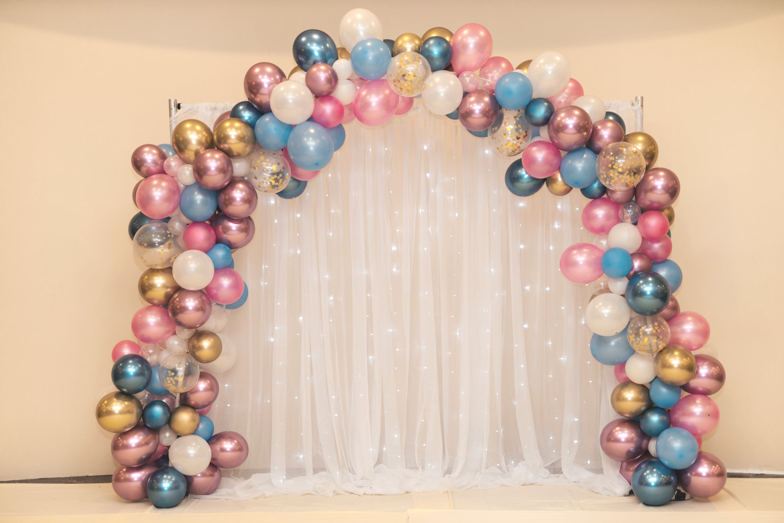 Balloonscapes are all the rage this year—check out our post on party planning trends in 2019 for more ideas!