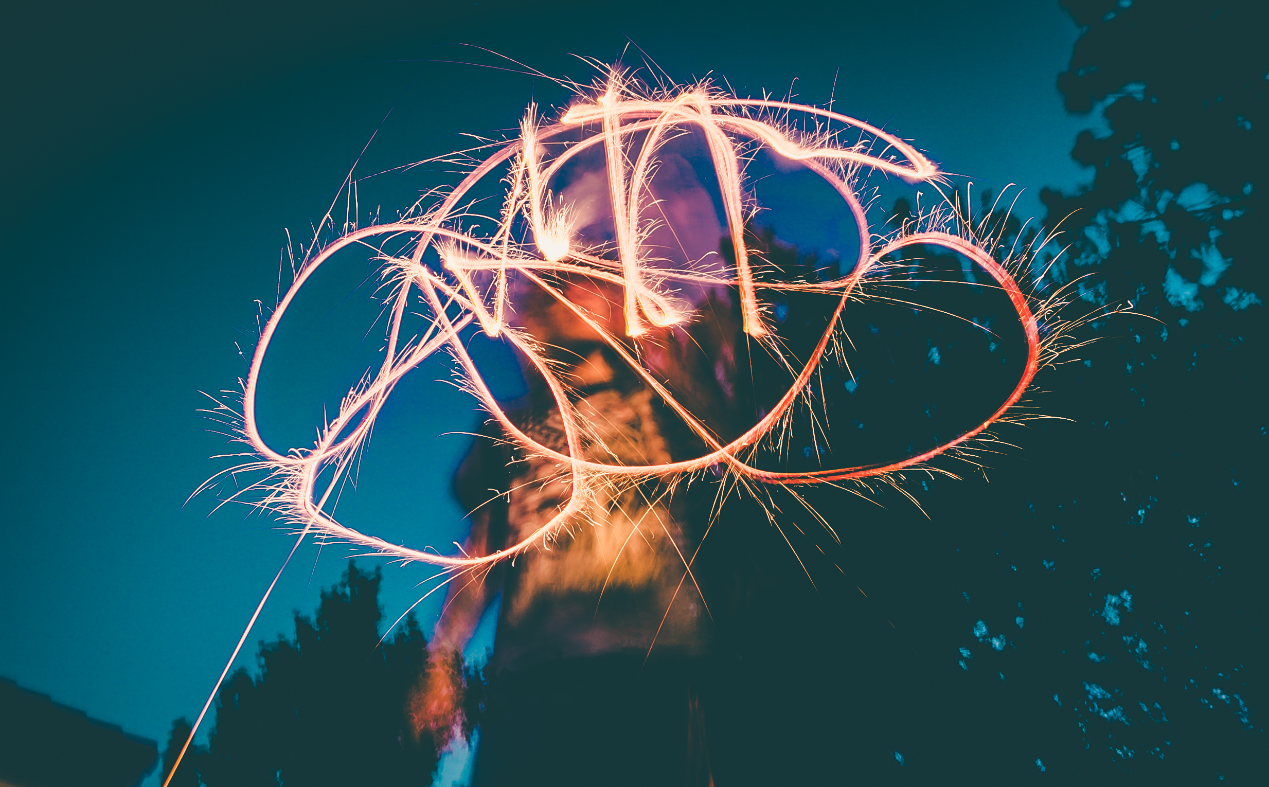 Plan a 4th of July Party. Get the best party trends and party planning tools. LYFETYMES is the #1 party planning site #partyplanning #4thofjulyparty #celebration #july4thparty