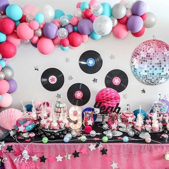 80's Party Idea for back to school or birthdays #birthdays #partyplanning #80sparty