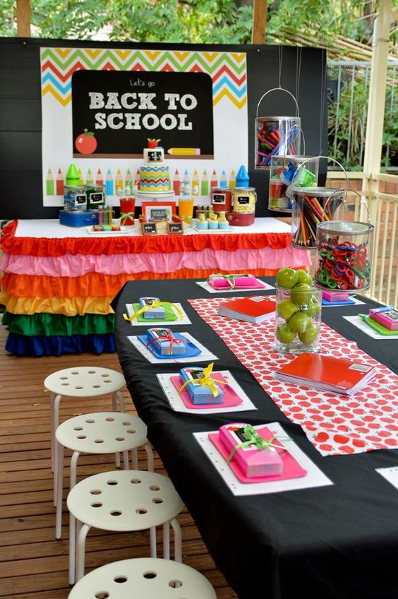 Pan your back to school party at LYFETYMES #1 party planning site #partyplanning #backtoschoolparty