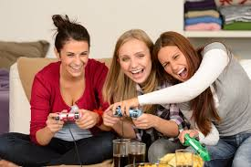 Game night with family and friends #gamenight #planagamenight #ladiesgamenight #planaparty #lyfetymes
