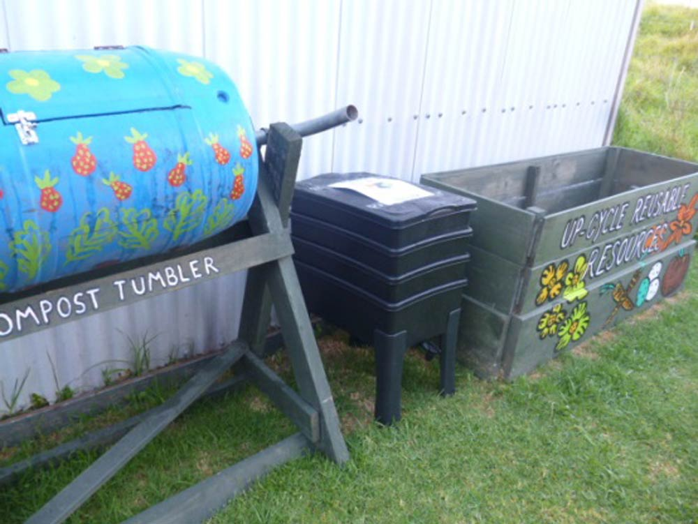 DIY composting systems and a WDC worm farm
