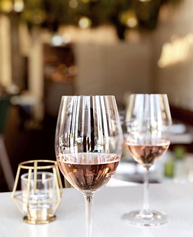 Rosé the day away with us 💖👑  Photo Credit 📷 @jamiekalynuik - #rose #toronto #torontolife #torontofood #tastetoronto #craveto #blogto #dailyhiveto #curiousityto #eeeeeeats #drinks #cocktails #to_finest #eatfamous #yyzeats #tofoodies #toreats #the6ix #drink #torontoeats #noms #foodgram #instafood #buzzfeast  #torontorestaurants #delish #queen #torontoliving #cravethe6ix #tasteto