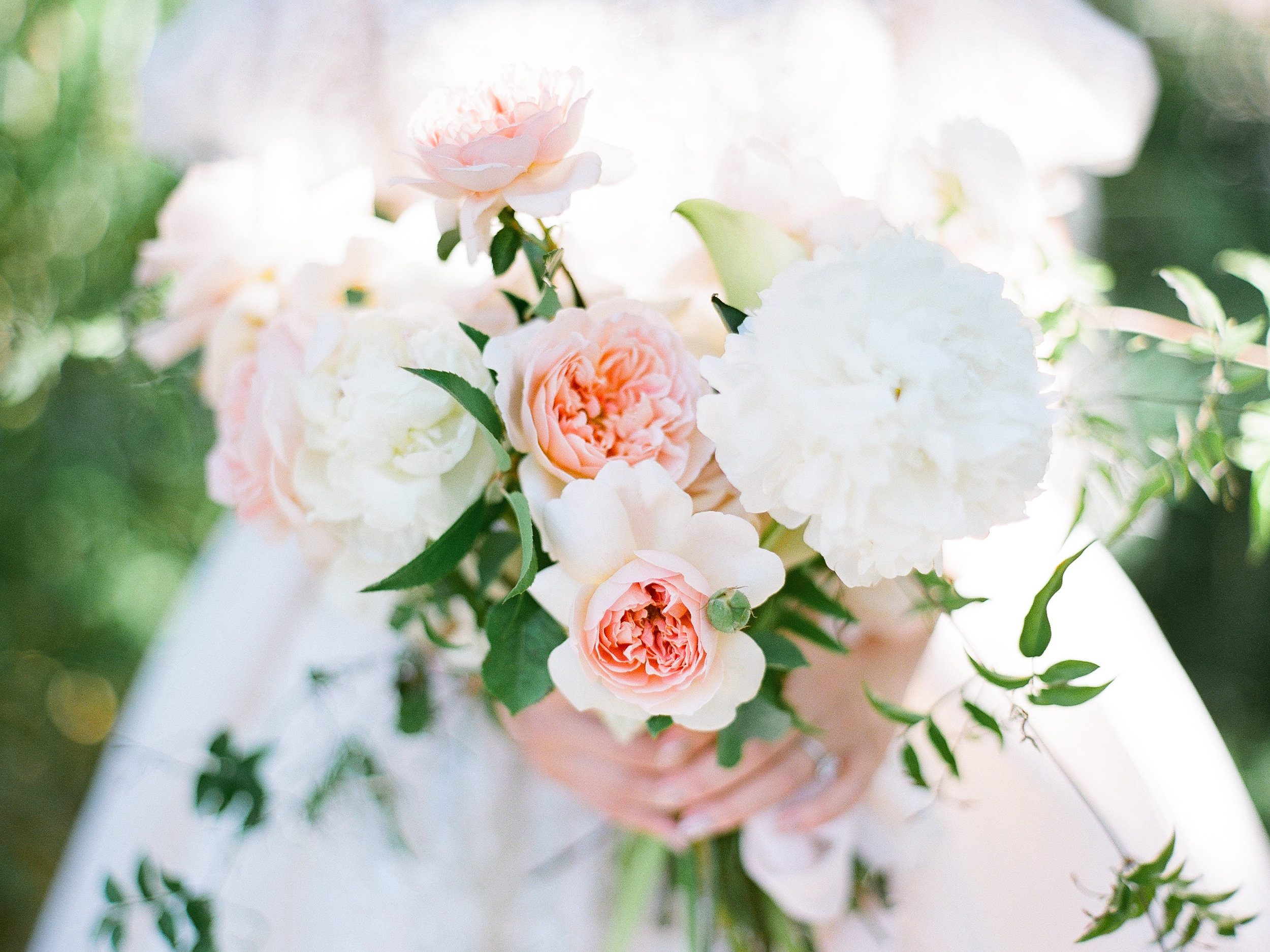 - PLANNER | Blooming WedVENUE | Hakone GardensPHOTOGRAPHER | Catherine LiuVIDEOGRAPHER | Yuqiao HanFLORIST | Rust and FlourishCATERING | Caterman CateringRENTALS | Bright Event RentalsCHAIRS. CHARGES. CUTLERY | The Chiavari GuysCAKE | Lavie Douce Design
