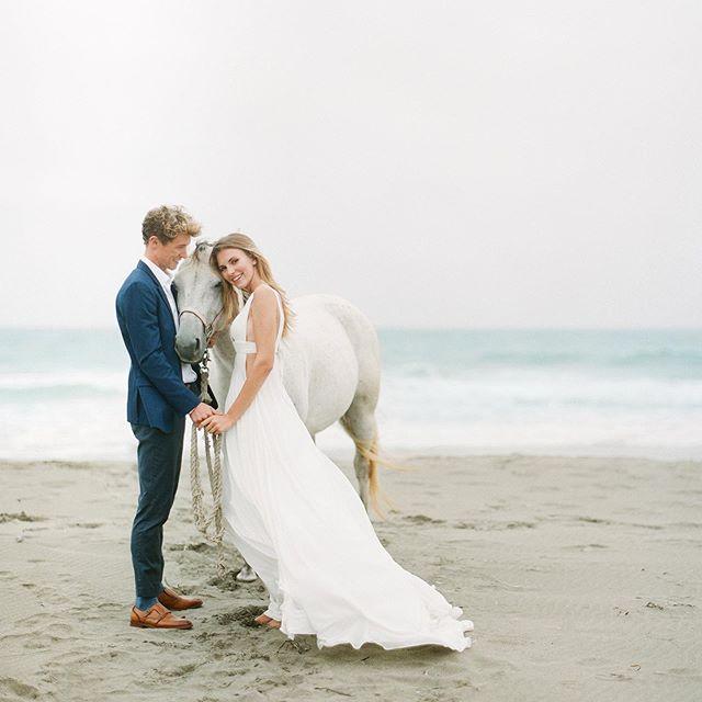 Happy Monday ! :) MUA @aprilfosterbridal  PHOTOGRAPHER @catherineliuphoto  Model: @vkvsnkv @cjbews . . . . . . .  #photography #photographer #weddingphotography #weddingphtographer  #sfwedding #sanfranciscowedding #sfweddingphotographer #californiawedding #californiaweddingphotographer #bayareaweddingphotographer #bayareawedding#sanfranciscophotographer#sanfranciscoweddingphotographer#portrait #bayareawedding #filmphotography #filmphotographer  #contax645 #portrait #coupleportrait #sanfrancisco  #sfbayarea #bayarea #richardphotolab