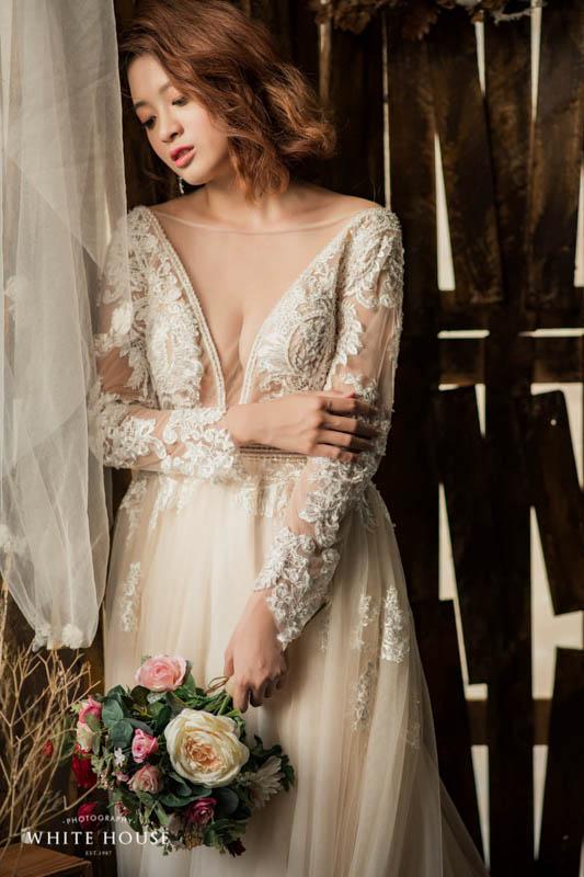 優雅的長袖婚紗 細緻度極高的蕾絲與手工鑽