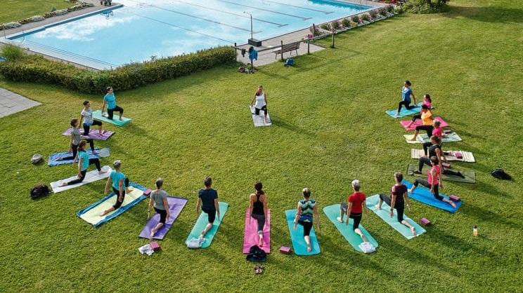 Schwimmbad+Yoga+Luftbild.jpg