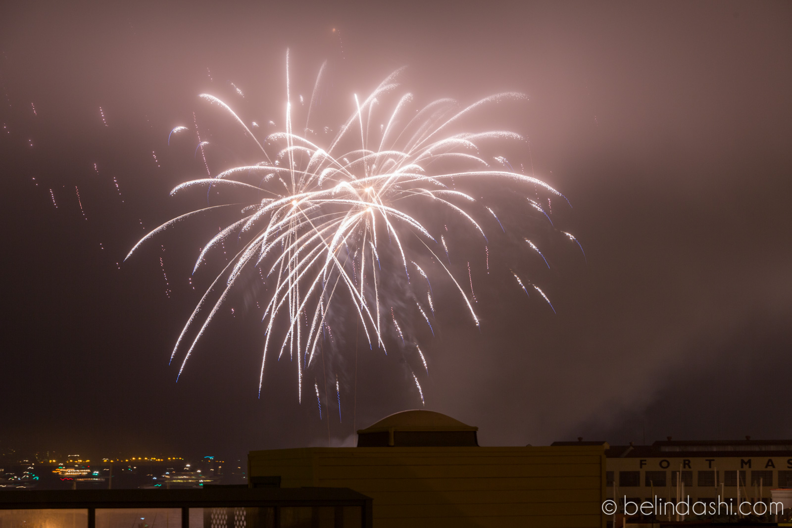 July 4th fireworks in San Francisco 2014-004, ISO200, 130mm, f/9, 6.2sec