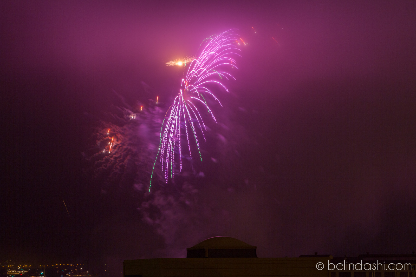 July 4th fireworks in San Francisco 2014-005, ISO200, 130mm, f/9, 2.1sec