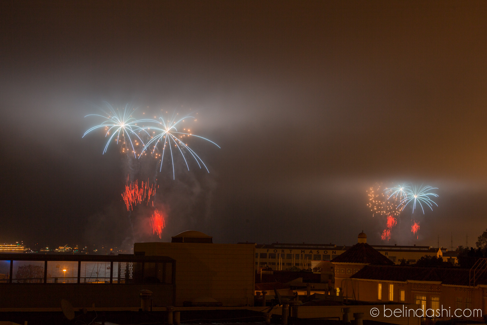 July 4th fireworks in San Francisco 2014-009, ISO200, 70mm, f/9, 2.5sec