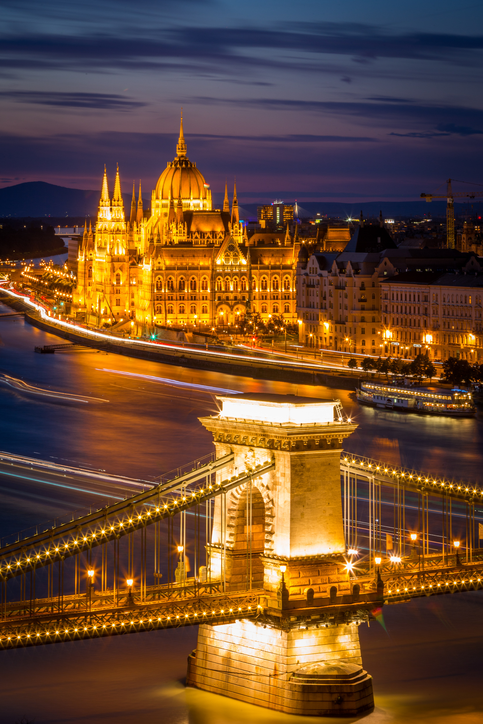Chain Bridge and Hungarian Parliament Building from Buda Castle, ISO100, 130mm, f/25, 96sec
