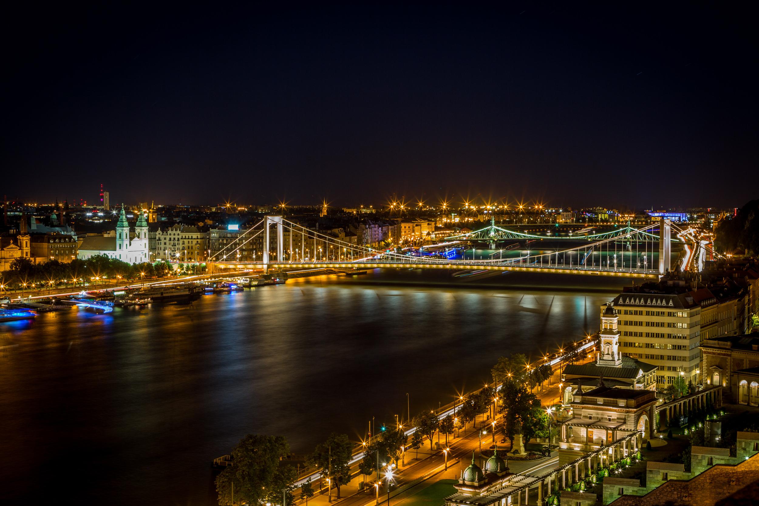Elizabeth Bridge from Buda Castle, ISO100, 55mm, f/16, 72sec
