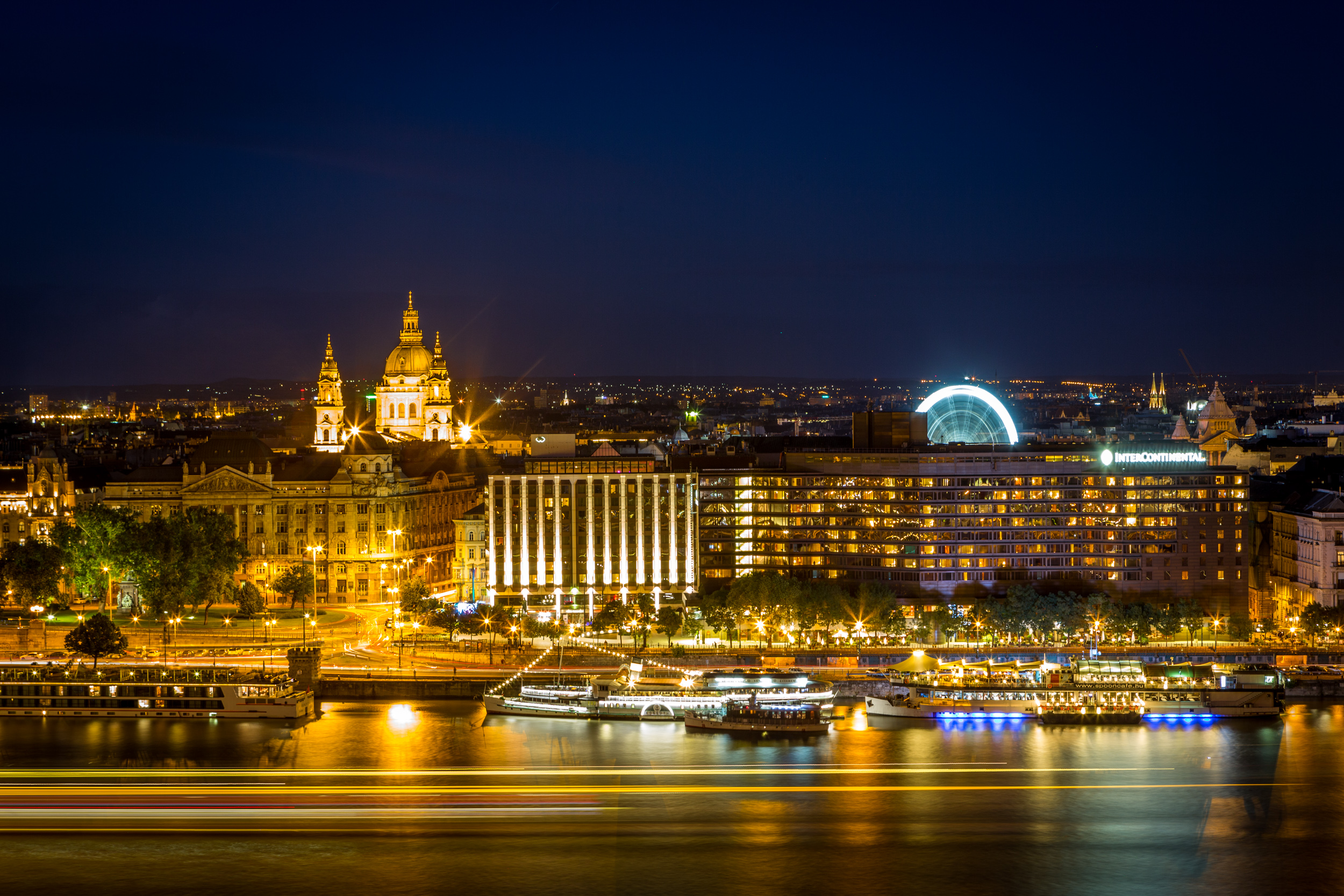 Danube River and Pest Night View from Buda Castle, ISO100, 70mm, f/13, 69sec