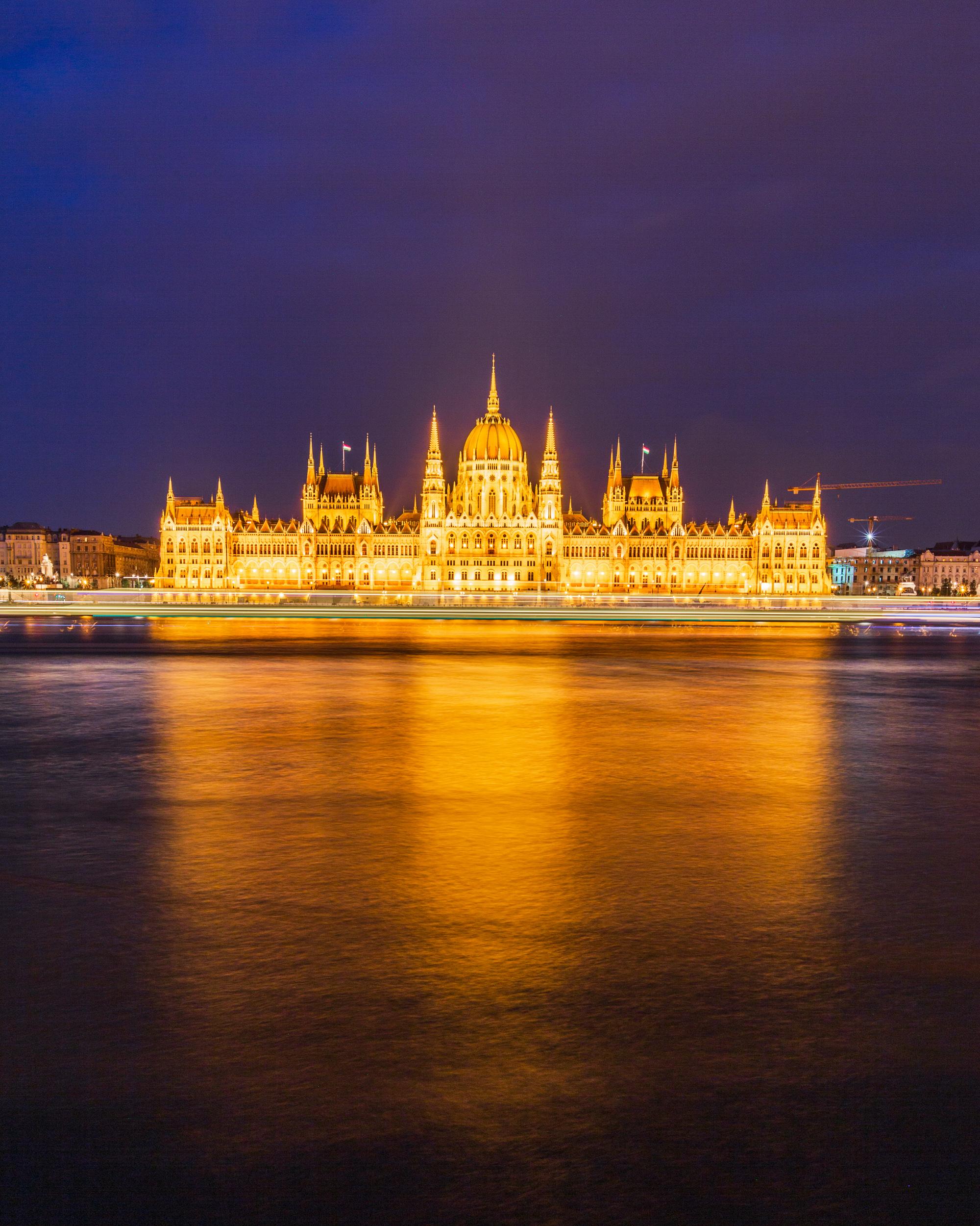 Hungarian Parliament Building seen across Danube River, ISO100, 26mm, f/16, 25sec
