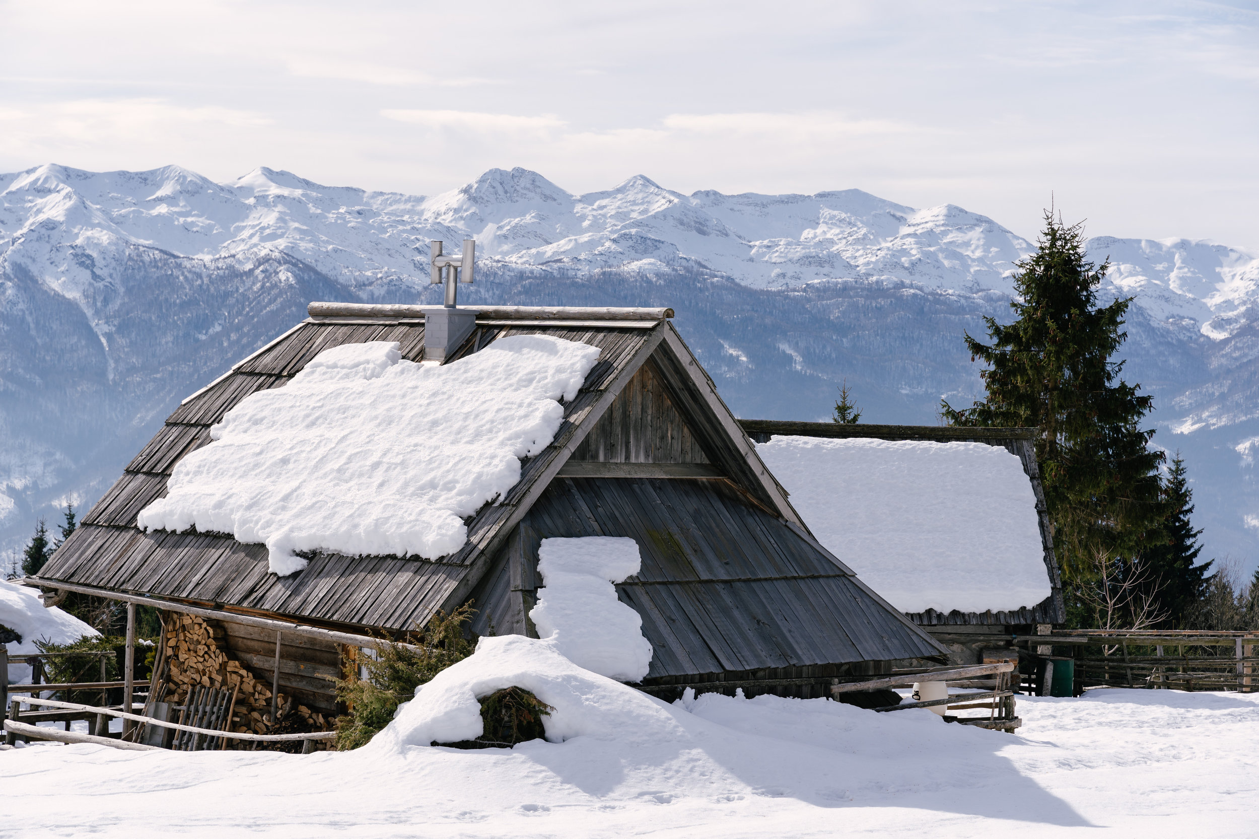 One of the many wooden houses on Planina Zajamniki.