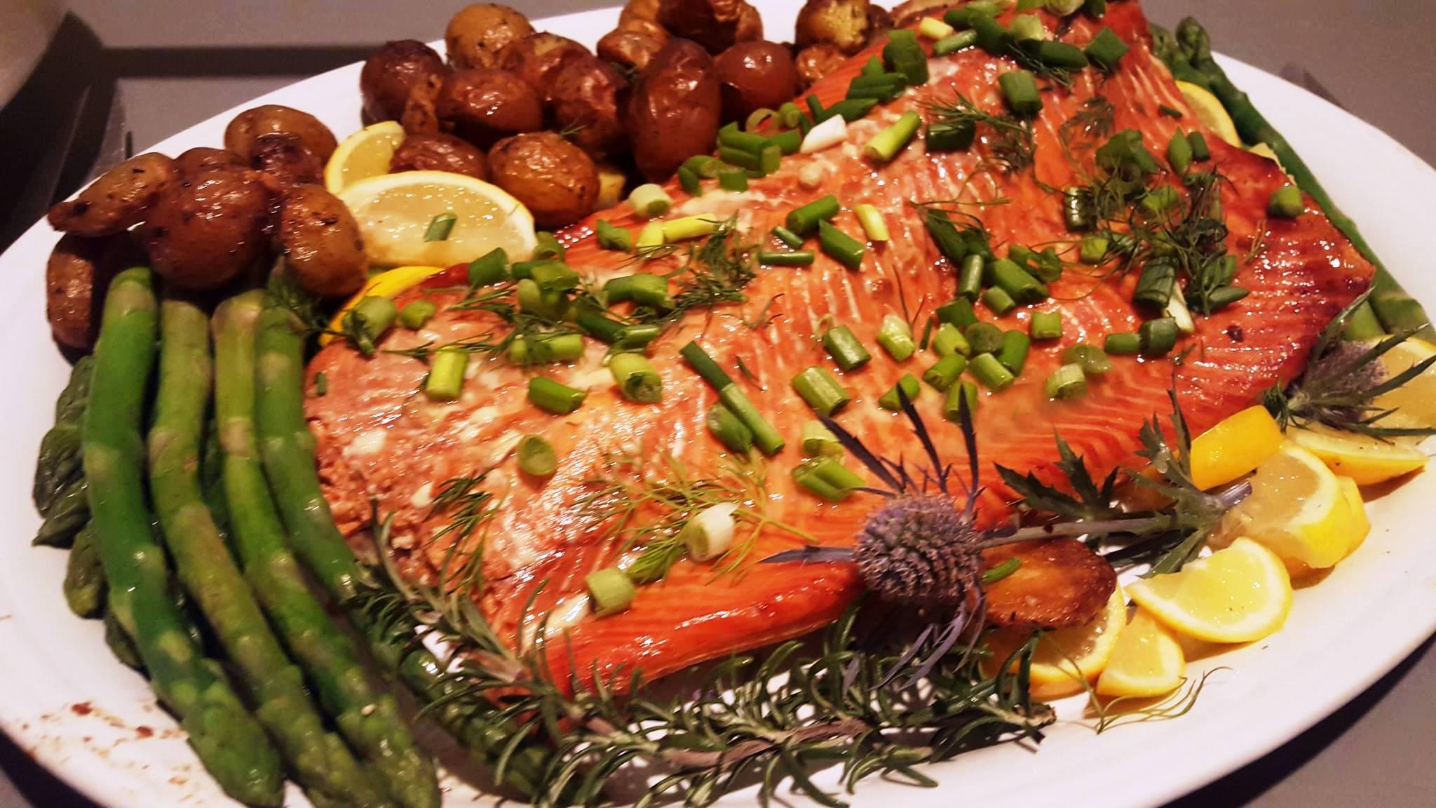 Salmon w asparagus and potatoes.jpg