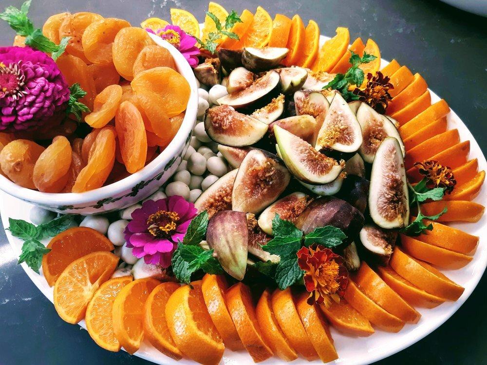 Fresh Fall fig, fruit and yogurt covered raisins platter
