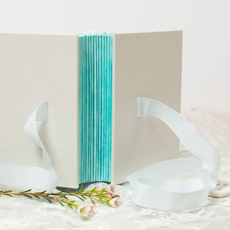 foldedleaf_duck-egg-wedding-albums-2-800x800.jpg