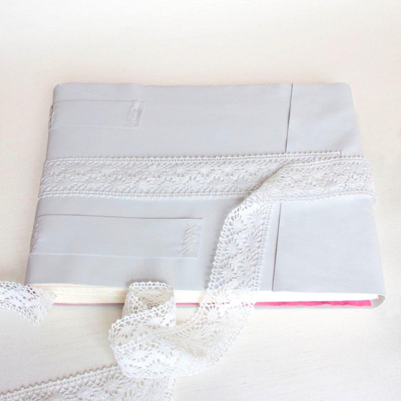 foldedleaf_lacey-leather-wedding-album-4-800x800.jpg
