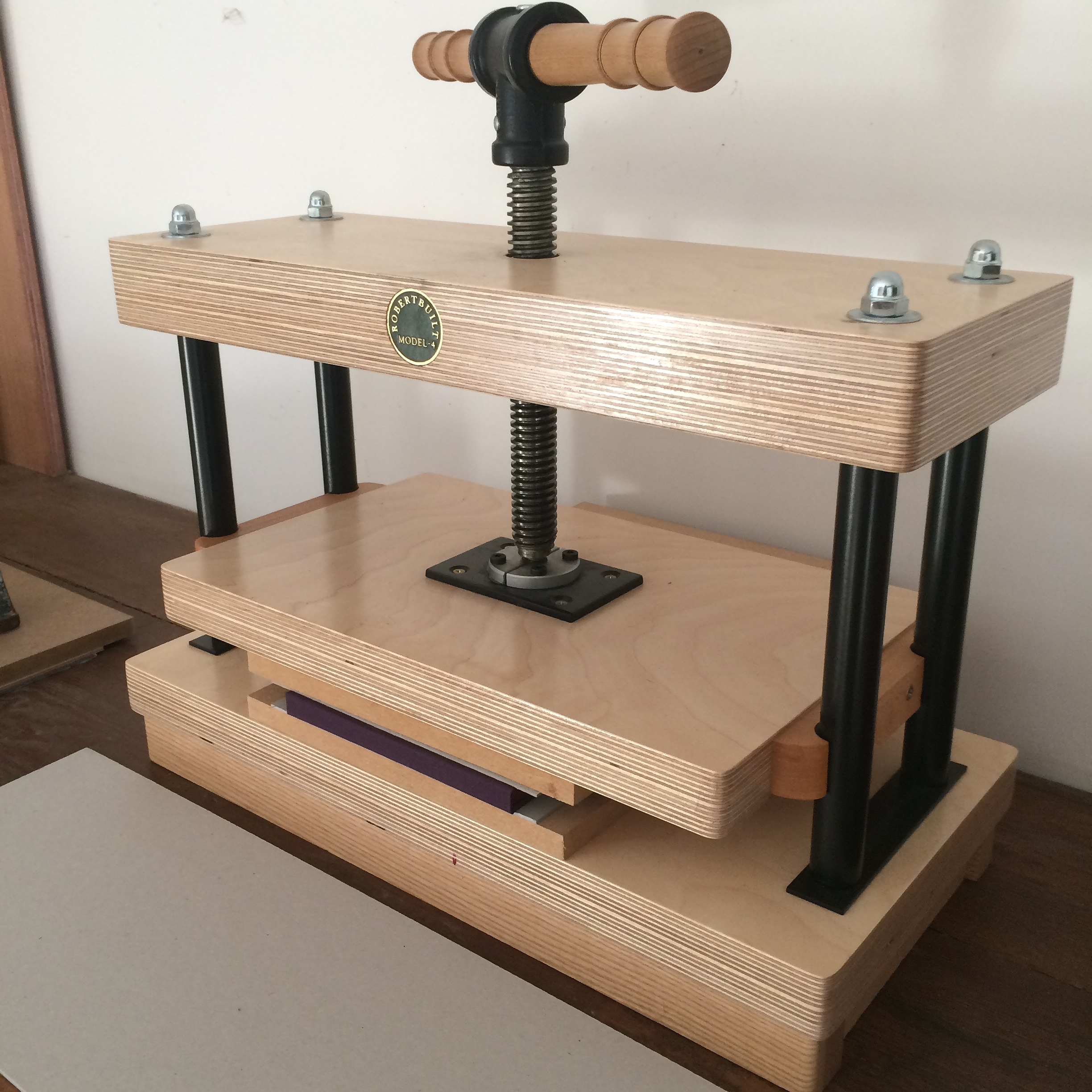 Éilís' bookbinding press