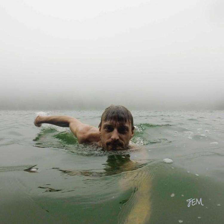 JEM_swimming-against-the-current.jpg