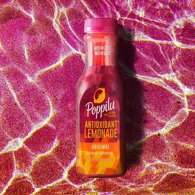 Tart, tangy and very refreshing! . . . #DrinkPoppilu #boldandsassy #tartandtangy #lemonade #aroniaberries #superfruit #summertimedrinks #poolside #freshlemonade
