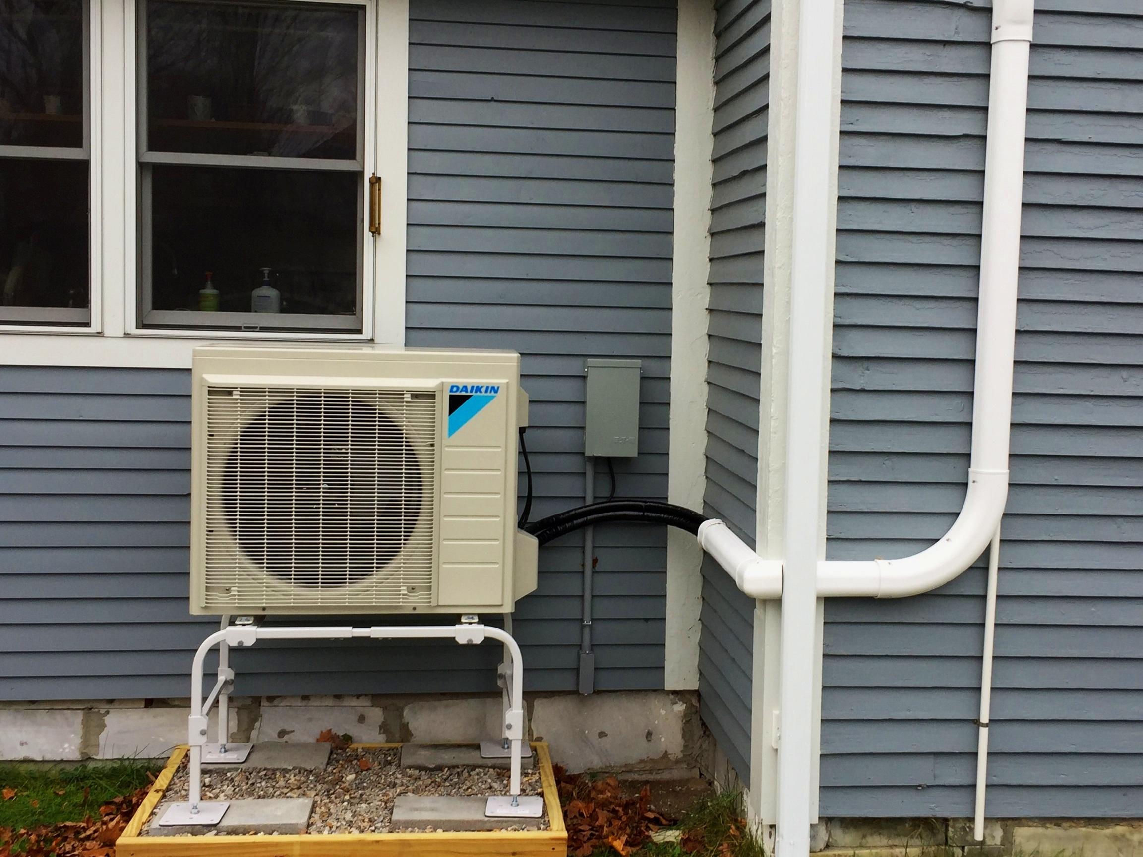 Outside+Heat+Pump+2.jpg