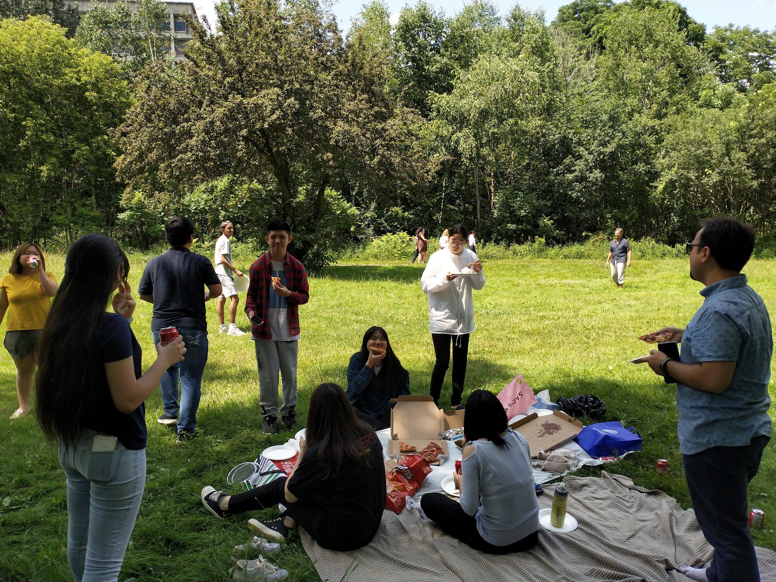 picnic eating.jpg