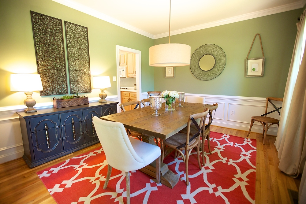 Cool Colonial - Transitional styles mix in a colorful and laid-back family home.