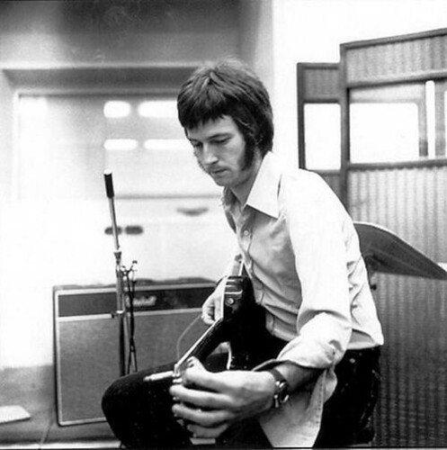 Eric Clapton in the studio with a Les Paul and Marshall Bluesbreaker amp