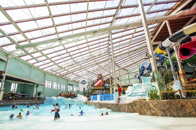 Aquatopia Indoor Waterpark at Camelback Mountain Resort
