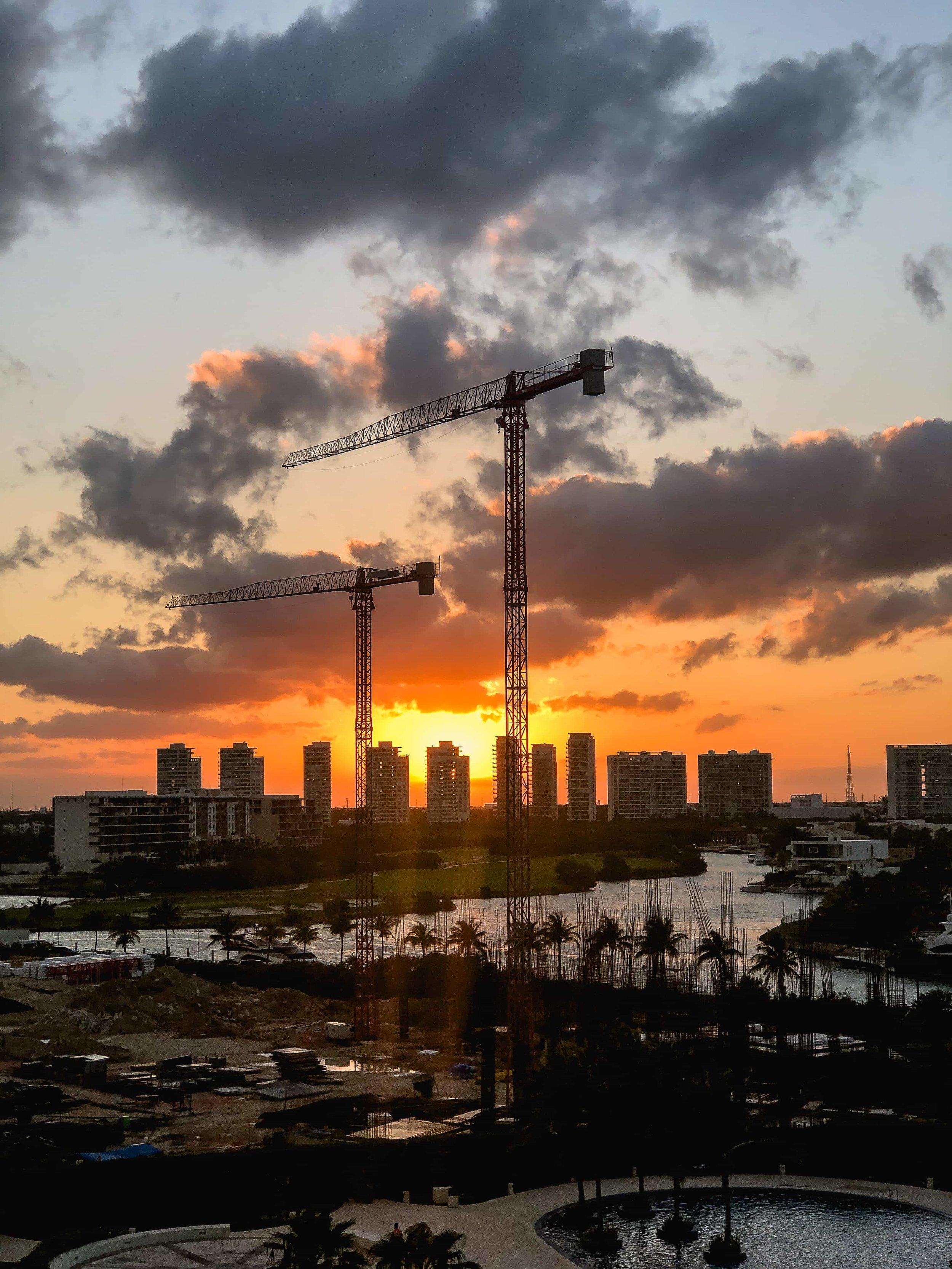 """""""We are always under construction"""", Cancun, <Travelhund>"""