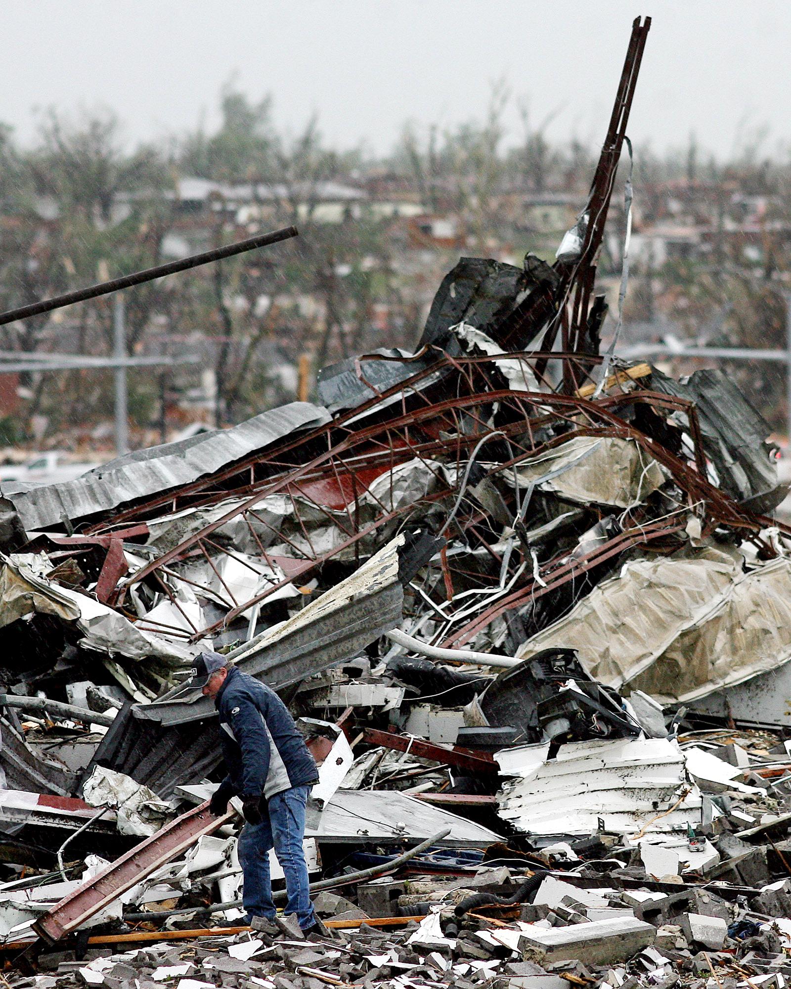 Tornado 002.JPG