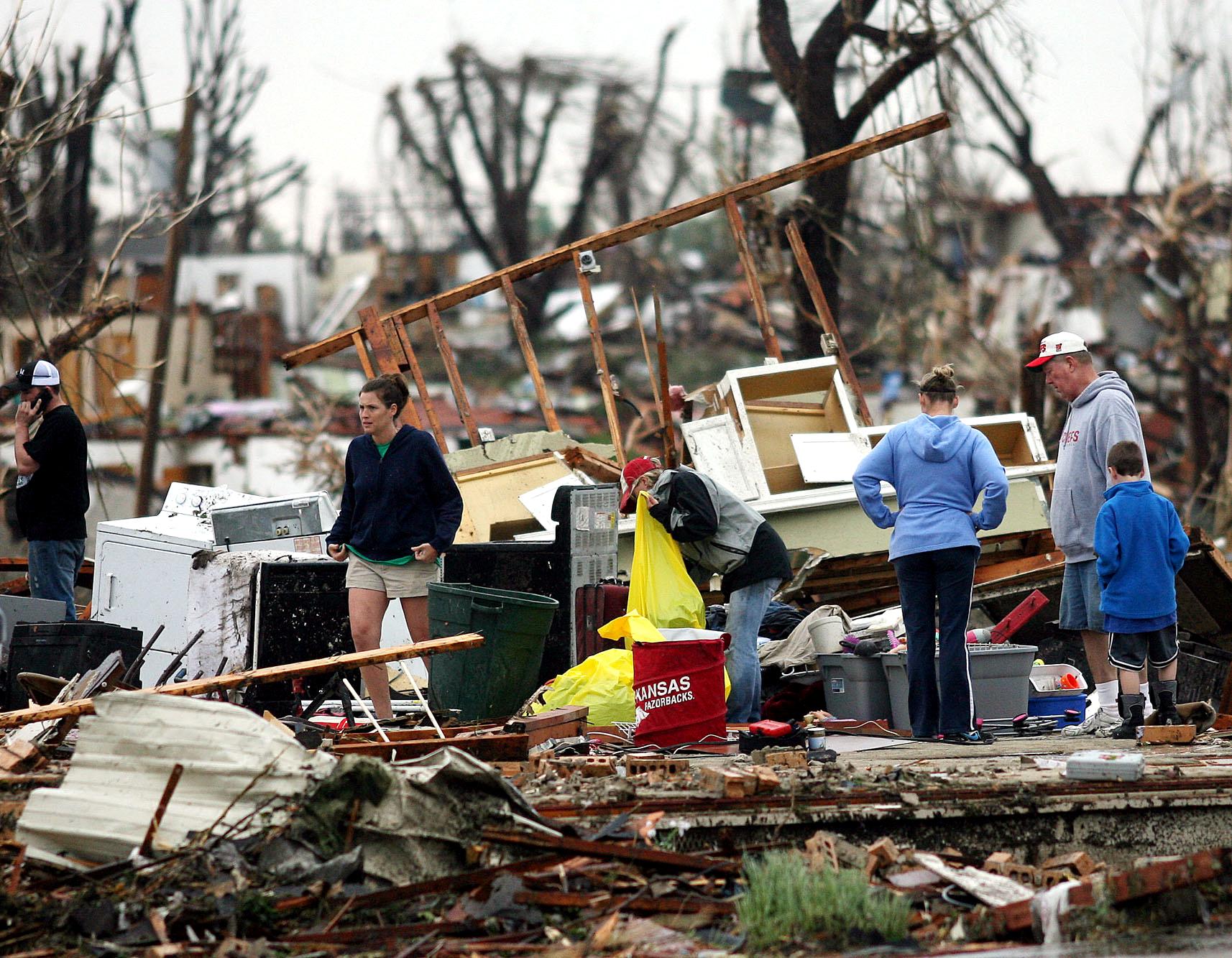 Tornado 0019.JPG