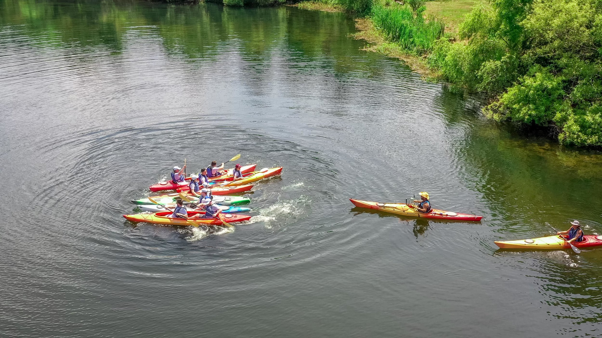 Kayak Team Building-5.jpg