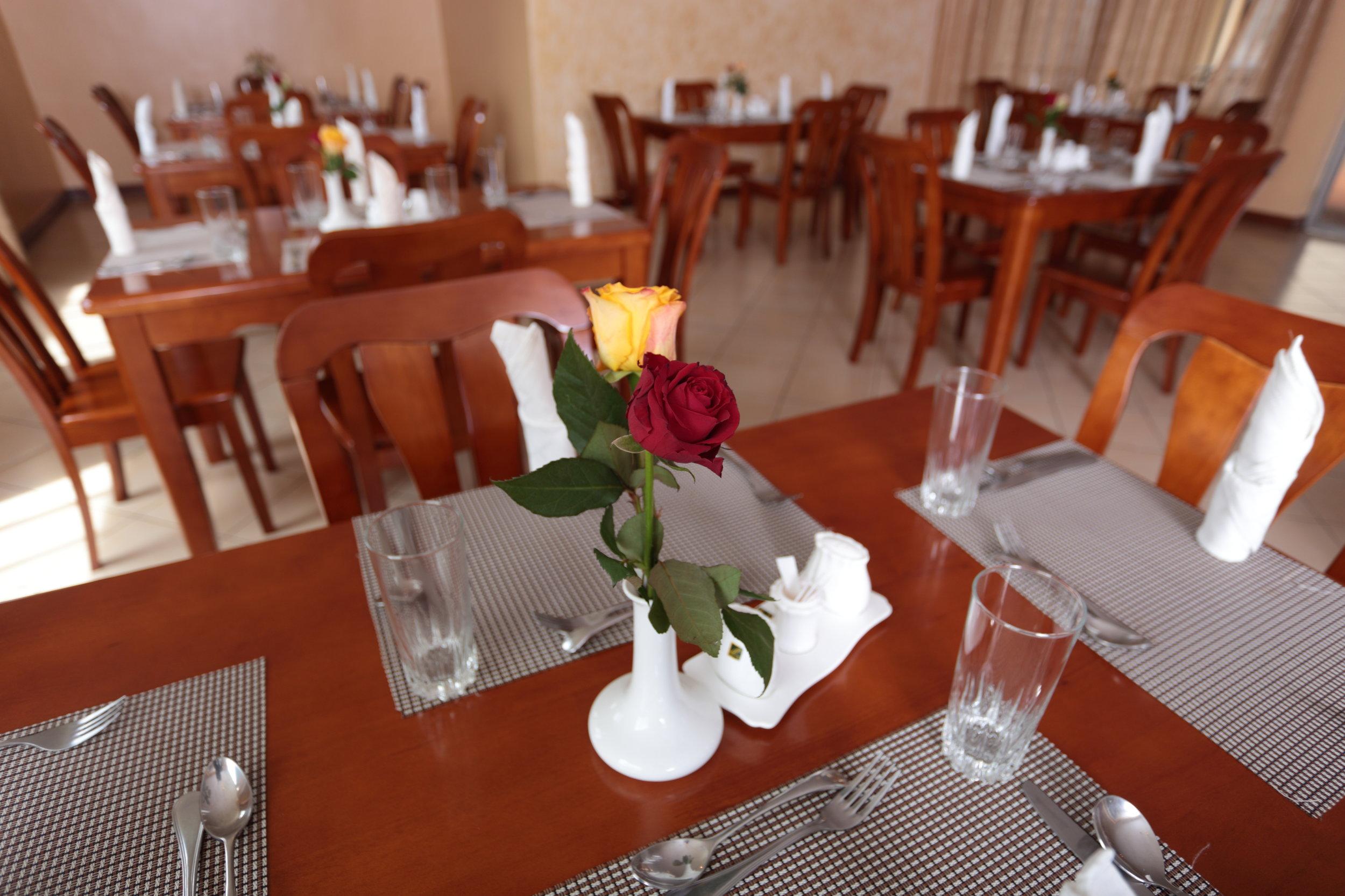 Restaurant12.JPG