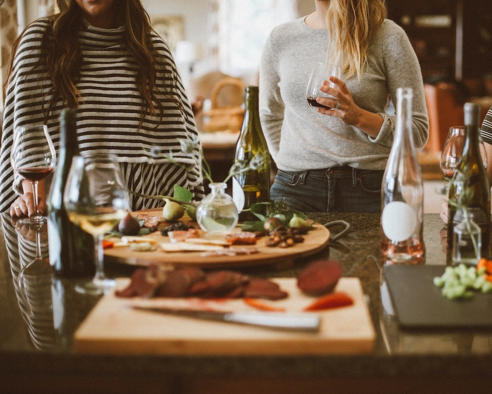 Group Speaking Events - Cooking demonstrations, wine nights, yoga retreats… I'll never shy away from an opportunity to spread some life-changing health hacks—especially if it calls for a good time! Whether you want to learn how to make your own batch of bone broth or host a girls' night discussion on the benefits of nontoxic beauty, count me in.