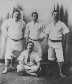 Akitaro Ono, Mitsuyo Maeda, Tokugoro Ito, Nobushiro Satake.
