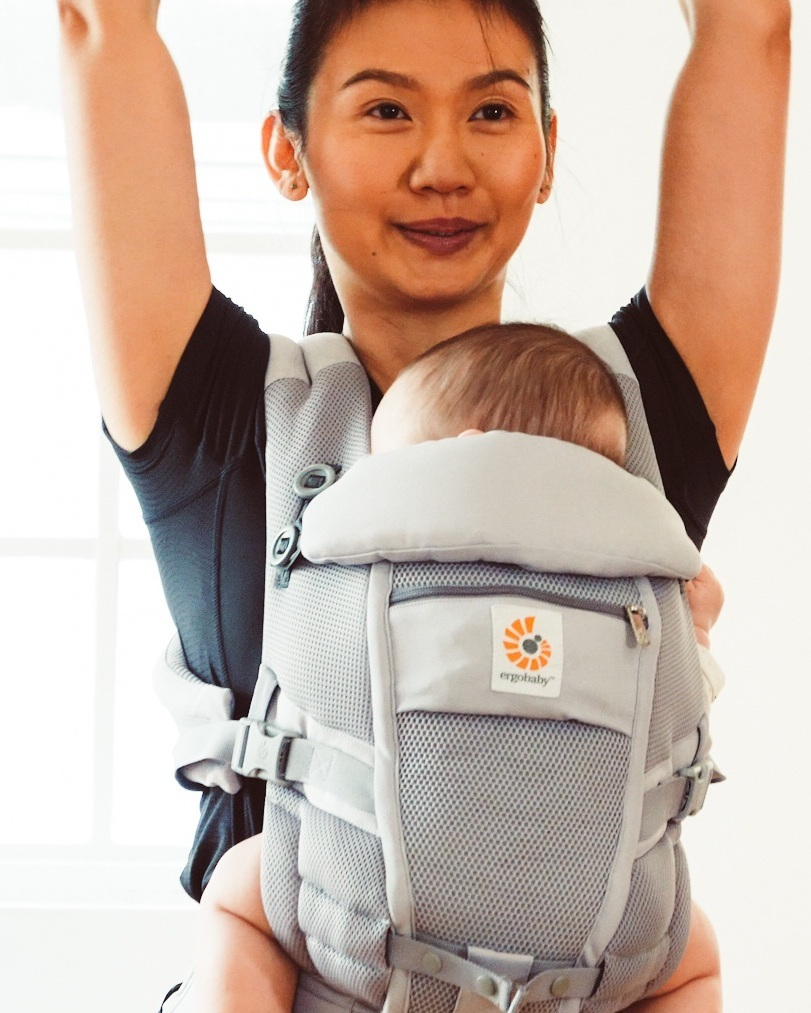 "Ergobaby - Ergobaby carriers are ergonomically designed to cradle baby in a natural 'M' sitting position and to distribute the babies weight evenly between your hips and shoulders. All Ergobaby carriers are recognised as ""hip-healthy"" by the International Hip Dysplasia Institute.Ergobaby's award-winning carriers are the ultimate in comfort and ergonomics and are suitable for babies and toddlers from 12-45 lbs. Each carrier features extra padded shoulder straps and a wide fitting waist band to make wearing them as comfortable for parents as it is for their baby safely held inside.Made from premium materials, machine washable and each with a 2-year manufacturer guarantee, parents can rest assured knowing they have many happy years of babywearing ahead of them with an Ergobaby carrier."