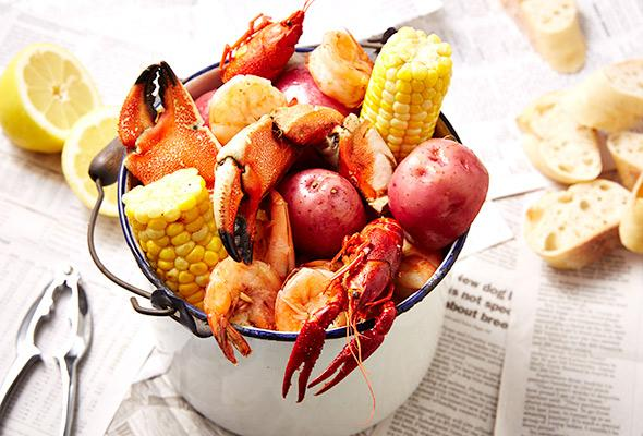 how-to-host-a-seafood-boil-1-size-3.jpg