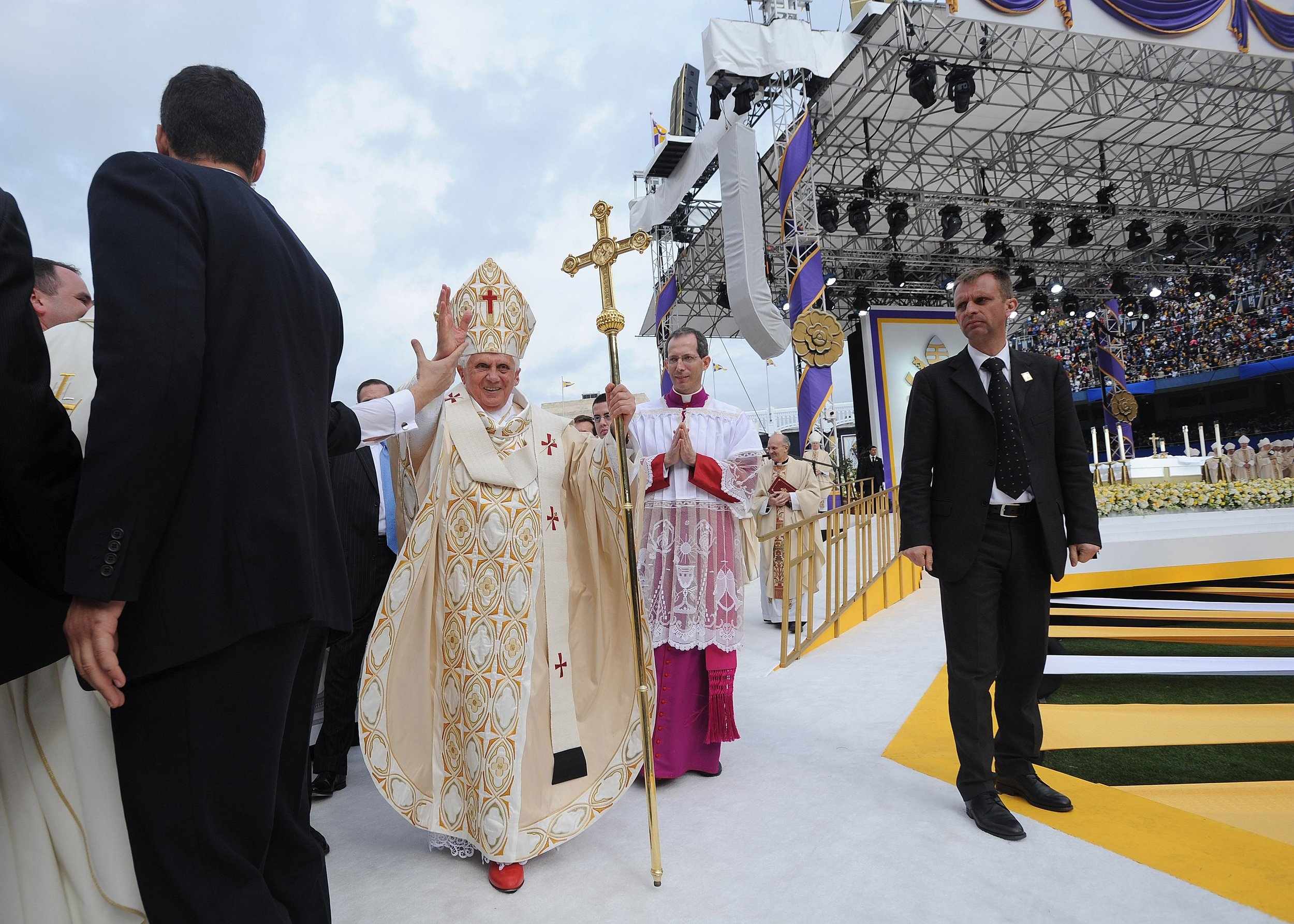 """The Massive Mass – Pope Benedict XVI at Yankee Stadium - """"There weren't a lot of changes from concept to reality,"""" Pierce said. """"It was more about preserving that initial concept to the best of our ability."""""""