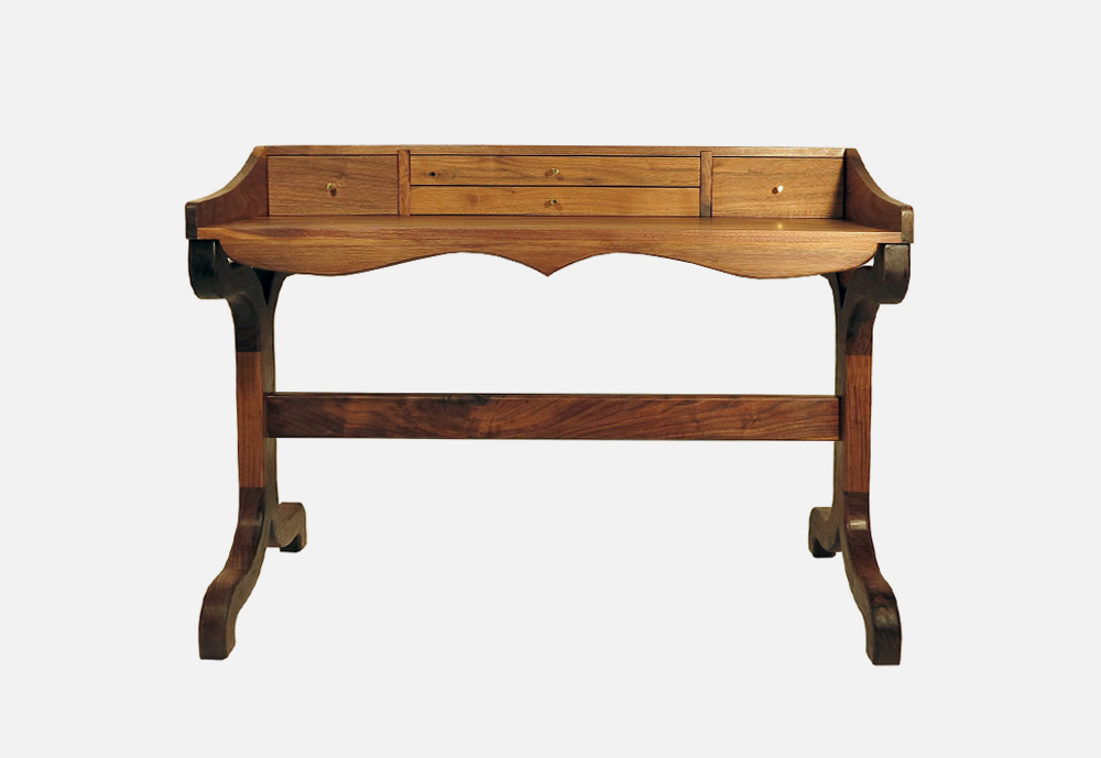 Chris_williams_0000s_0021_TABLES-LeopoldDesk1.png