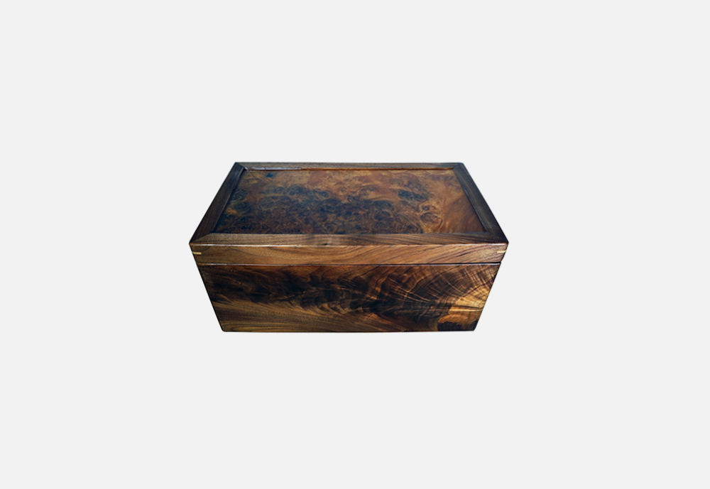 Chris_williams_0004s_0000_ACCESSORIES-walnut.png