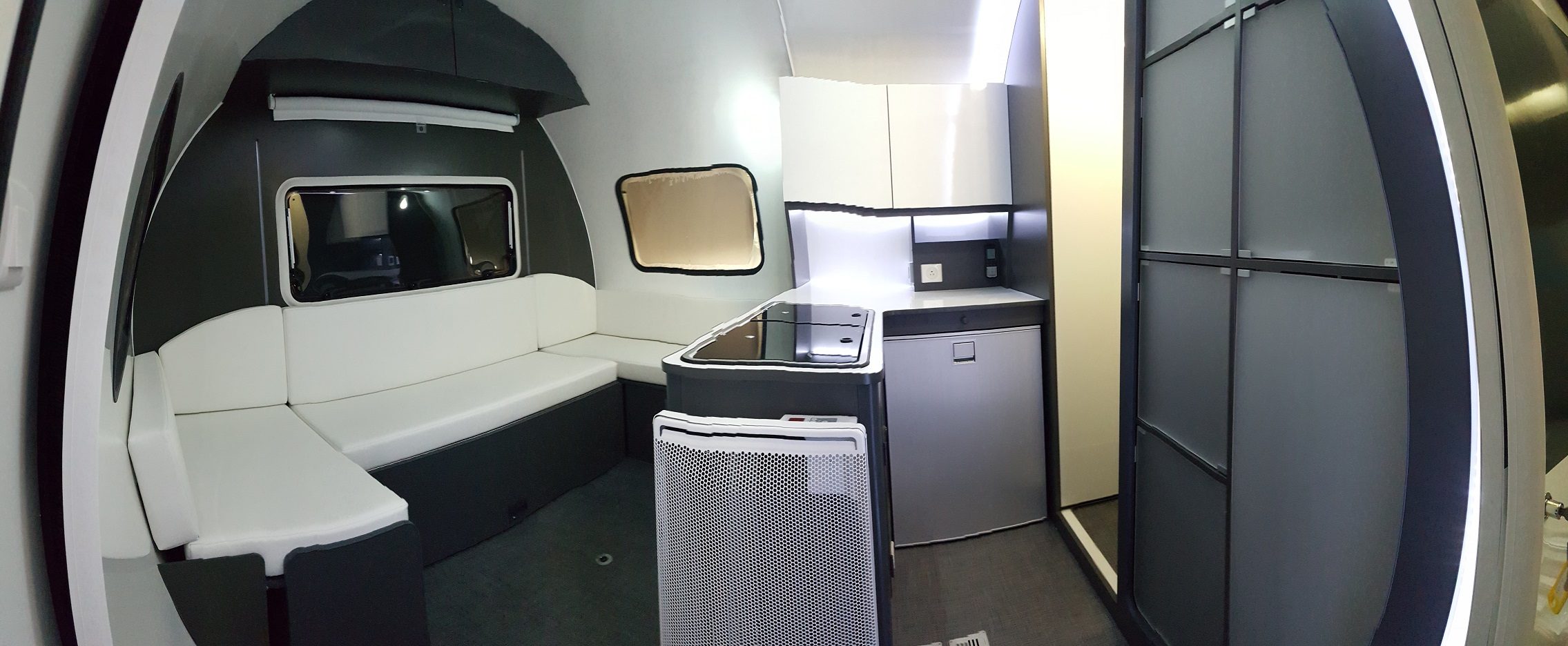3X lounge and kitchen